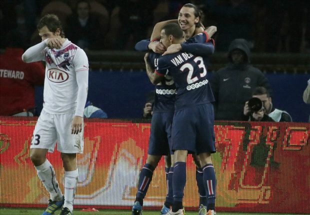 Paris Saint-Germain 2-0 Bordeaux: Ibrahimovic, Alex send champions six points clear