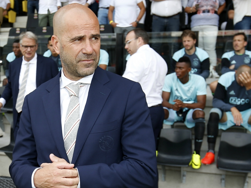 Bergkamp denies rift with former Ajax coach Bosz