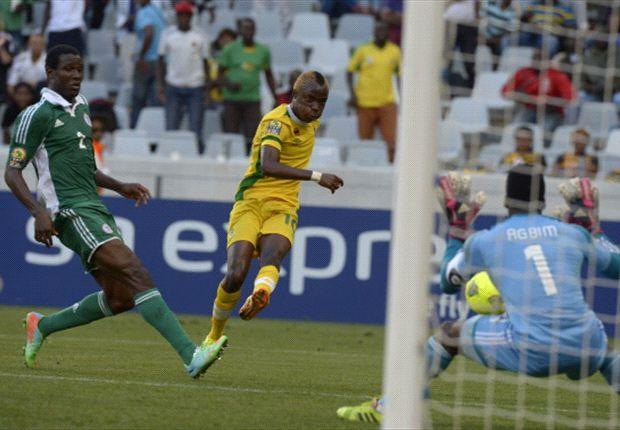 Zimbabwe international Kudakwashe Mahachi against Nigeria at Chan 2014