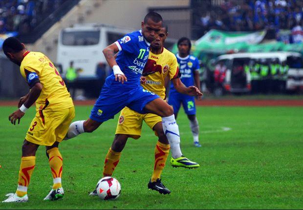 Persib Bandung Tundukkan Sriwijaya FC Lewat Titik Putih