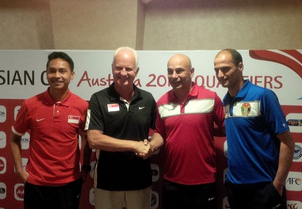 Stange and Shahril with their Jordan counterparts at the pre-match press conference.