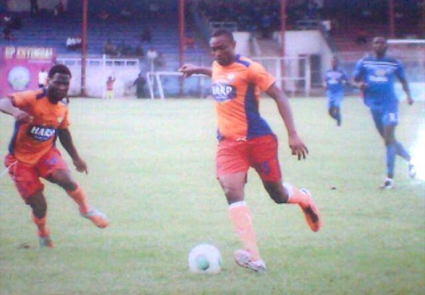 Ogagotewho (middle) has joined Warri Wolves