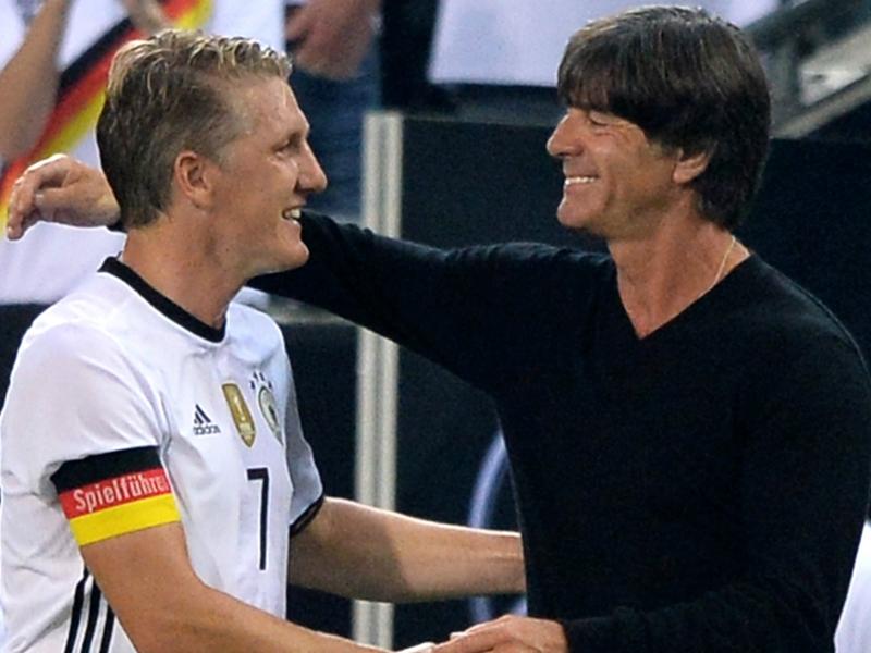 Allemagne, Löw tacle Manchester United pour Schweinsteiger