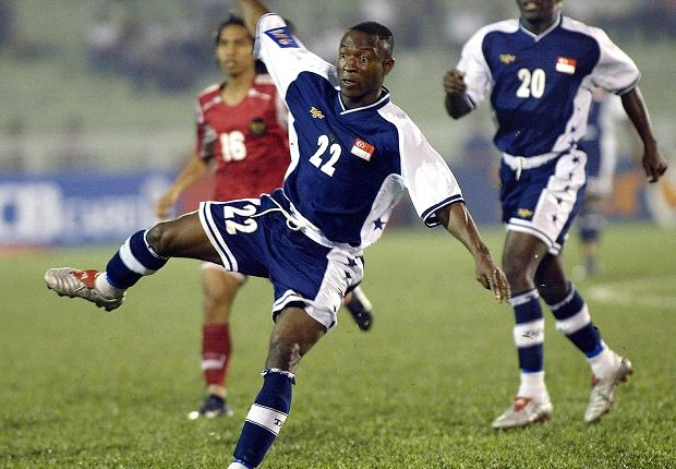 Itimi in Singapore colours during the 2004 Tiger Cup.