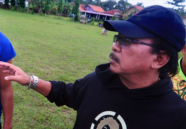 Daniel Roekito mengritik kepemimpinan wasit saat menjamu PSM Makassar