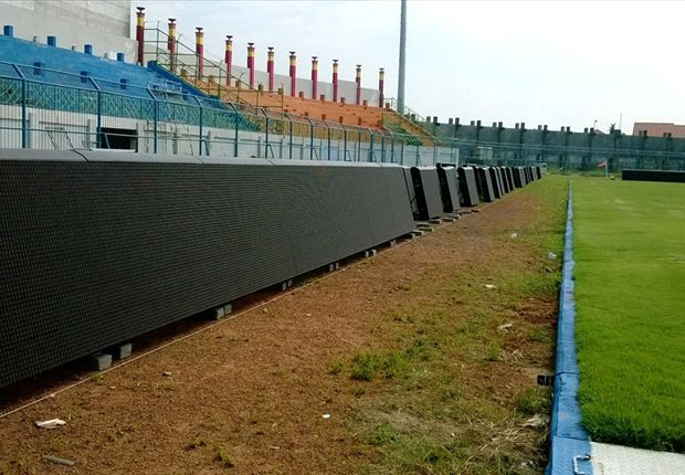 Stadion Gelora Bangkalan tak bisa menggelar laga Persepam-Persebaya, petang ini.