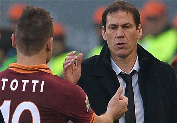 Gut gemacht: Rudi Garcia klatscht mit Francesco Totti ab