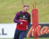 Beckham tells record-breaking Rooney not to give up on England