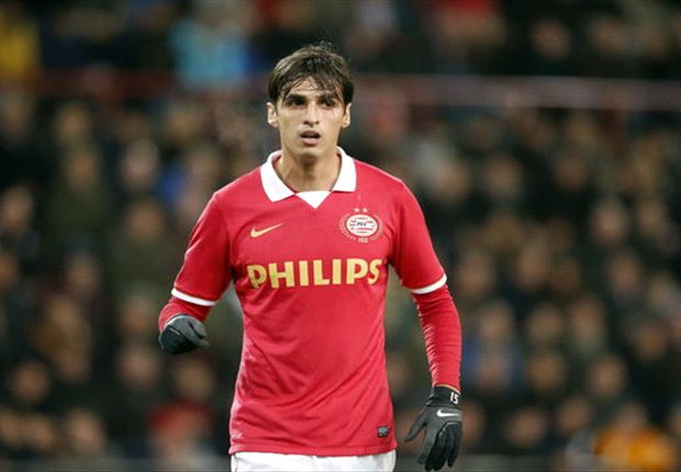 Bryan Ruiz wants PSV stay