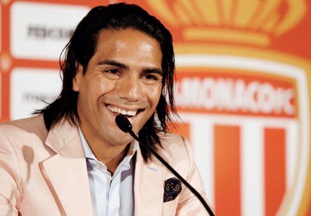 Falcao, Di María y Agüero protagonizarían una negociación sin precedentes.