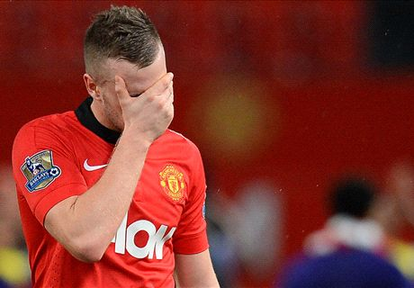 Moyes defends 'fantastic' Cleverley