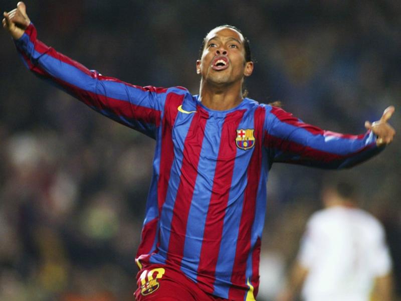 Barça, Ronaldinho préfère la plage au Camp Nou