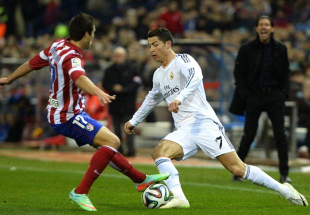 Ronaldo hit by a lighter in Madrid derby