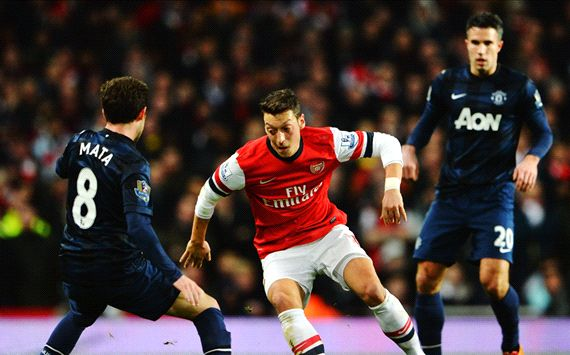Mesut Ozil Juan Mata Arsenal Manchester United EPL 12022014