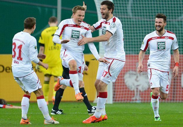 Leverkusen - Kaiserslautern: Guardado im Zweikampf mit Matmour