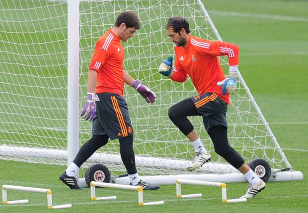 Mejias: Real Madrid 'tension' is good for Casillas, Lopez