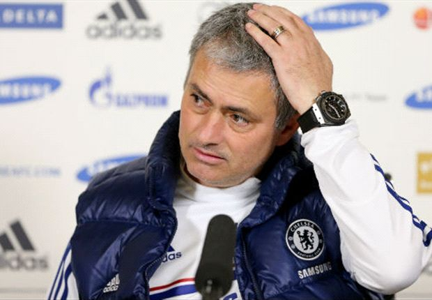 Poll: Does Mourinho have the advantage over Wenger in the mind games battle?