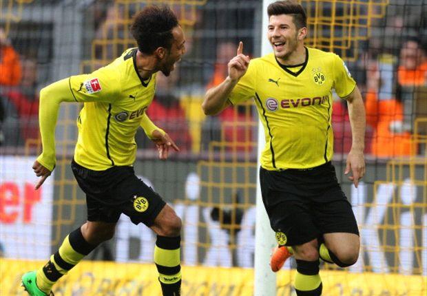 El Borussia Dortmund y el Schalke recuperan el paso, el Bayern vuela