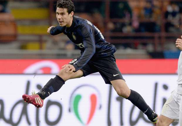 Inter boss Mazzarri hails Hernanes