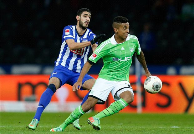I want to stay at Wolfsburg, insists Gustavo