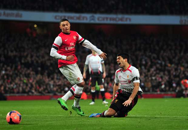 Oxlade-Chamberlain 'wasn't worried' about Suarez penalty claim