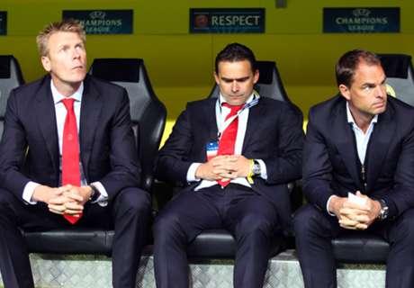 Ajax Ogah Pulangkan Huntelaar & Sneijder
