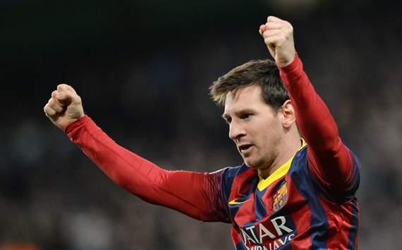 Lionel Messi Martin Demichelis Fernandinho Manchester City Barcelona UEFA Champions League 02182014