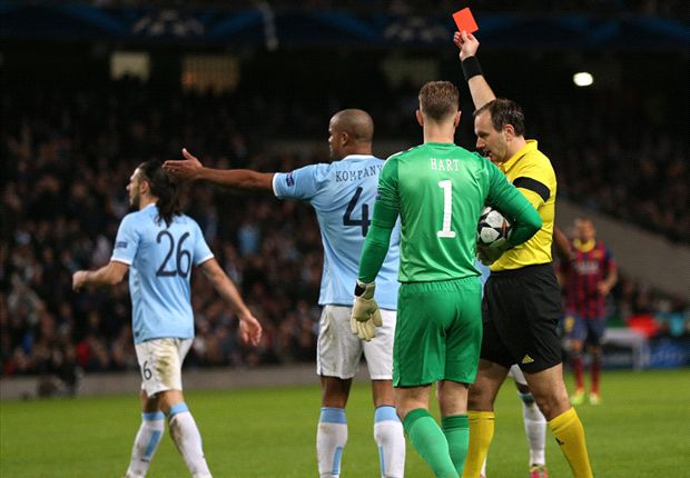 'The red card let Barcelona loose' - Manchester City-Barcelona in tweets with Patrick Kluivert