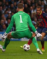 Dani Alves: Barcelona still need to kill off Manchester City