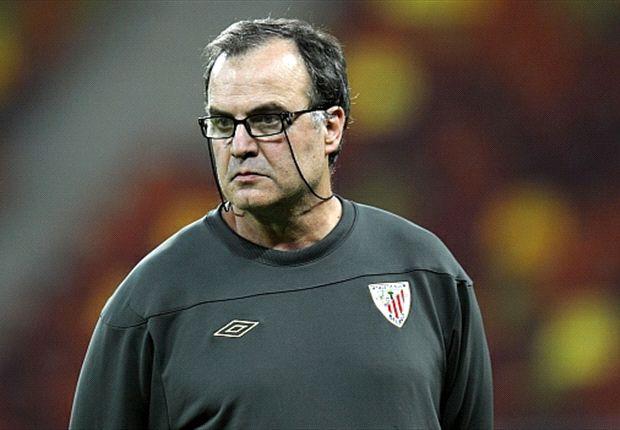 El último club que dirigió Bielsa fue el Athletic de Bilbao.