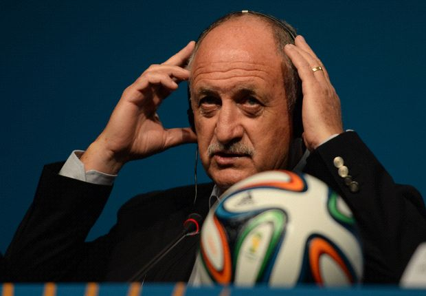 Scolari: Fans can inspire Brazil to World Cup glory