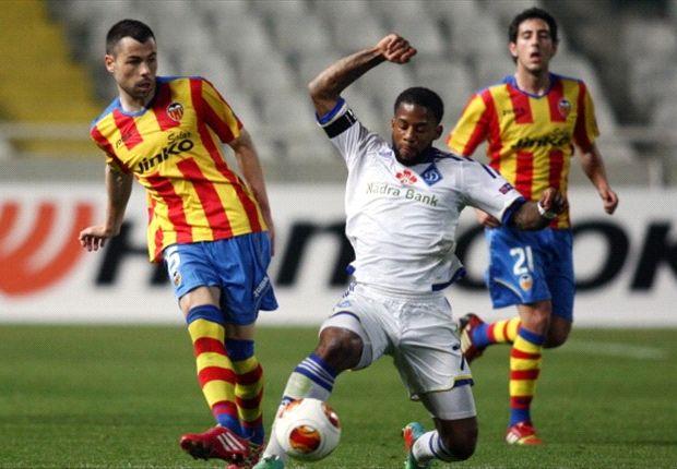 Dynamo Kiev 0-2 Valencia: Vargas and Feghouli put Los Che in driving seat
