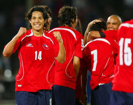 WCQ: Matias Fernandez- Chile-Argentina (Mexsport)