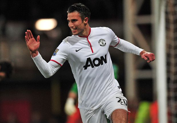 Van Persie set for Manchester United stay