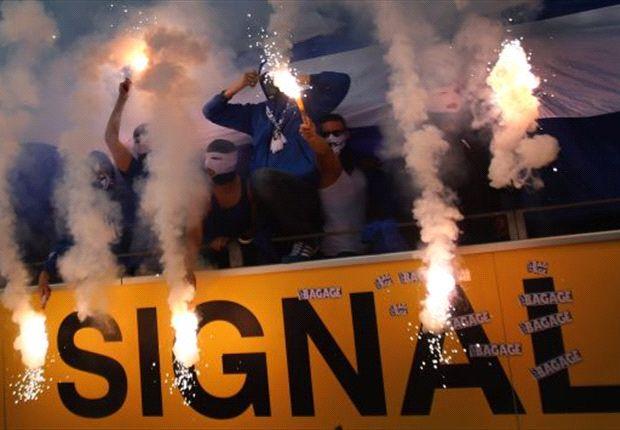 Schalke 04: Anhänger beim letzten Derby in Dortmund