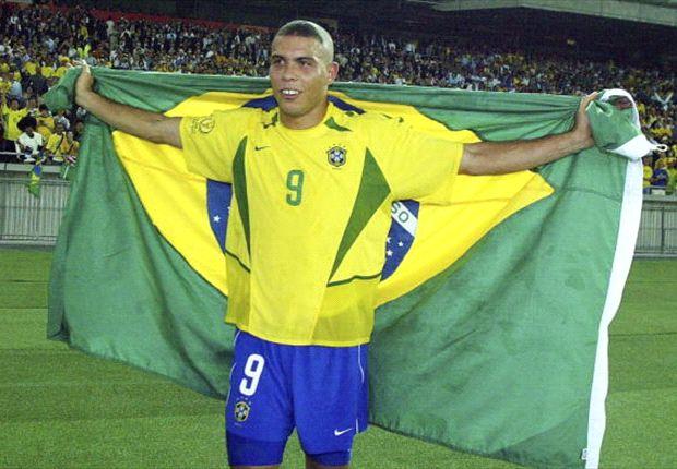 """Brasilien-Legende Ronaldo bezeichnet Neymar als den """"Assistenten von Messi"""""""