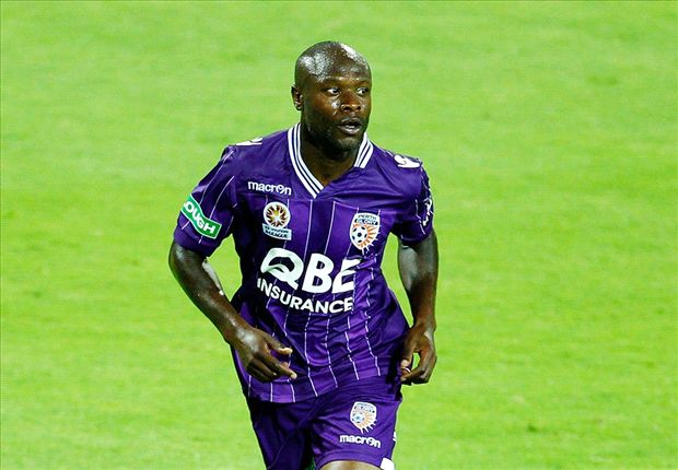 Gallas has been cleared alongside Mutu by the ISL player cmmittee as a maruqee for the club that signs him