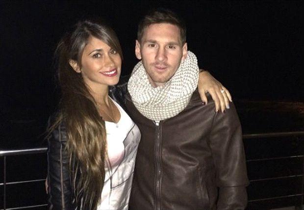Messi y su novia, ante las cámaras