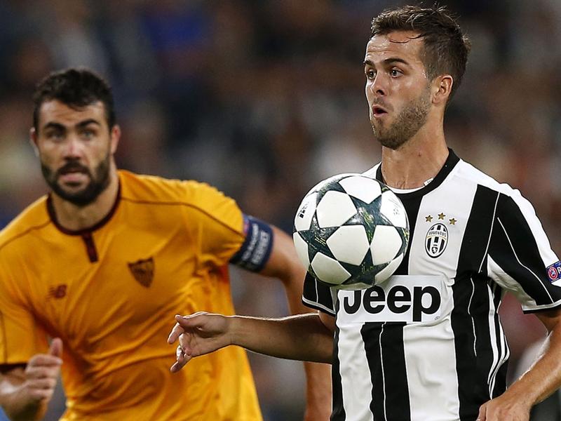 """Juventus Turin, Pjanic : """"Buffon est le numéro un au monde"""""""