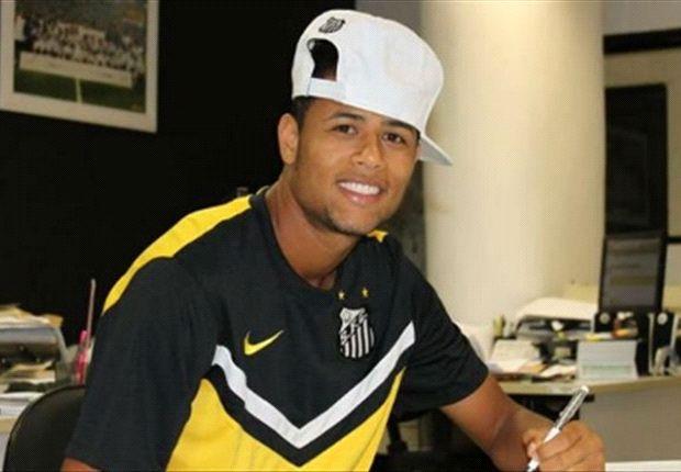 Geuvânio é titular da equipe do Santos