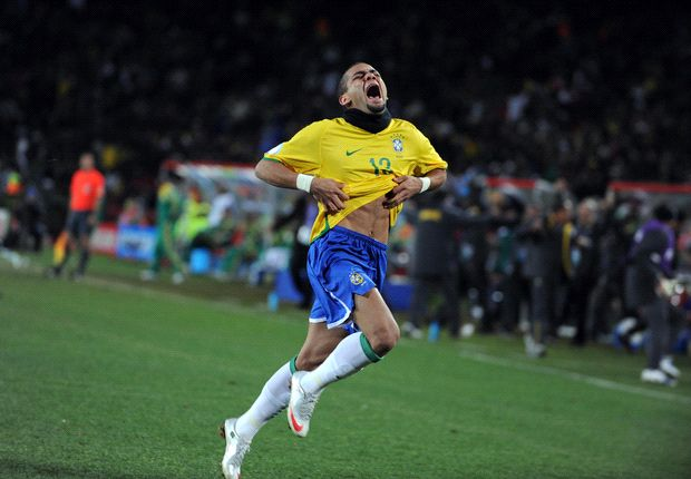 Dani Alves: I want to face Messi in the World Cup final