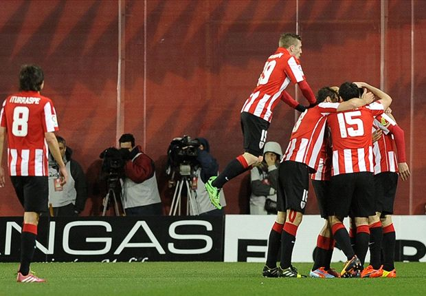 Los jugadores rojiblancos celebran un gol
