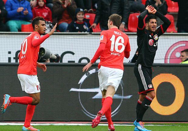 Choupo-Moting bejubelt die Mainzer Führung in Leverkusen