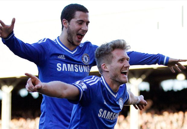 Chelsea & Schurrle land telling blow as Arsenal stutter at Stoke again
