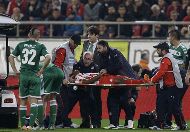 Olaitan collapses during Athens derby