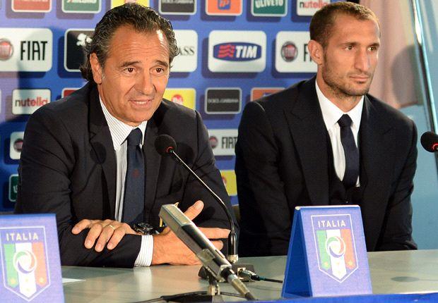 Prandelli bites back at Conte: I had the right to call up Chiellini