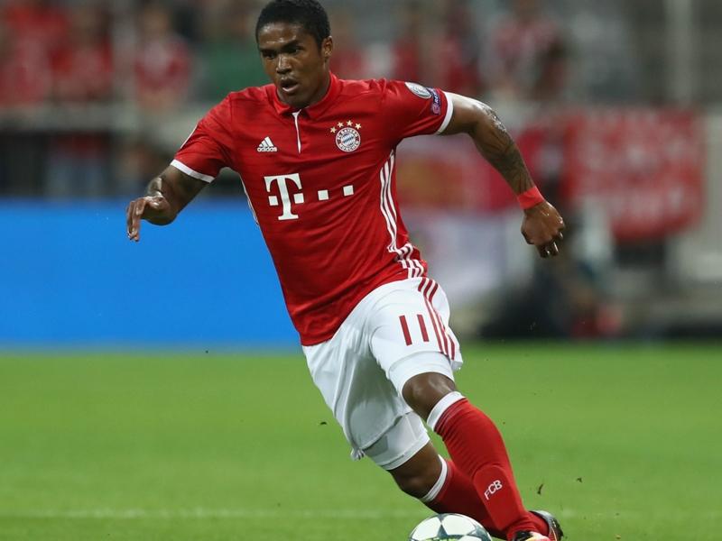 Bayern, Douglas Costa a célébré les buts du Real Madrid contre Dortmund