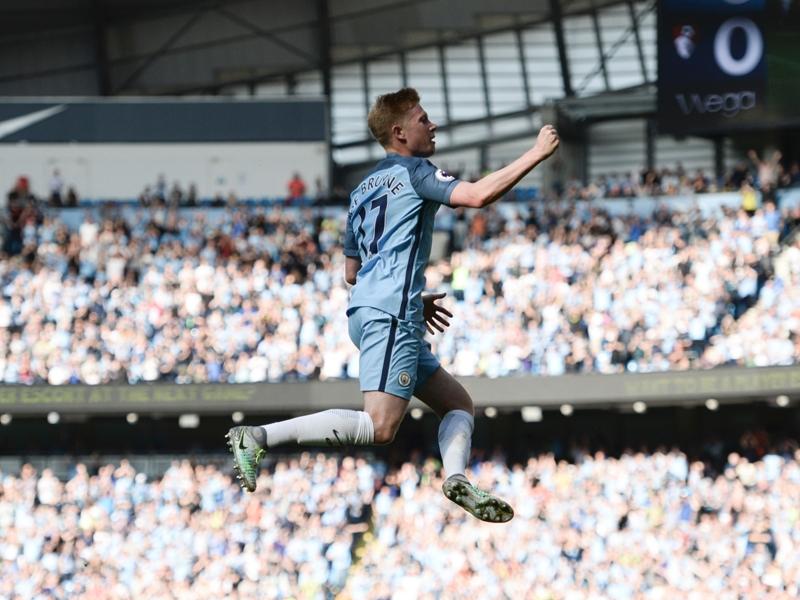 """Manchester City, Fernandinho : """"De Bruyne est un joueur très intelligent"""""""