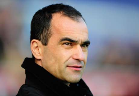 Everton would be 'foolish' to look ahead, says Martinez