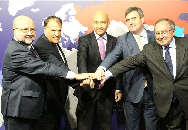 Javier Tebas, junto al resto de miembros de la LFP